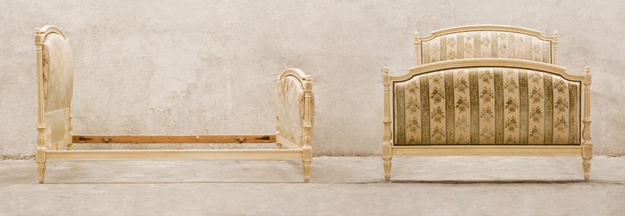 Бяло легло стил Луи XVI