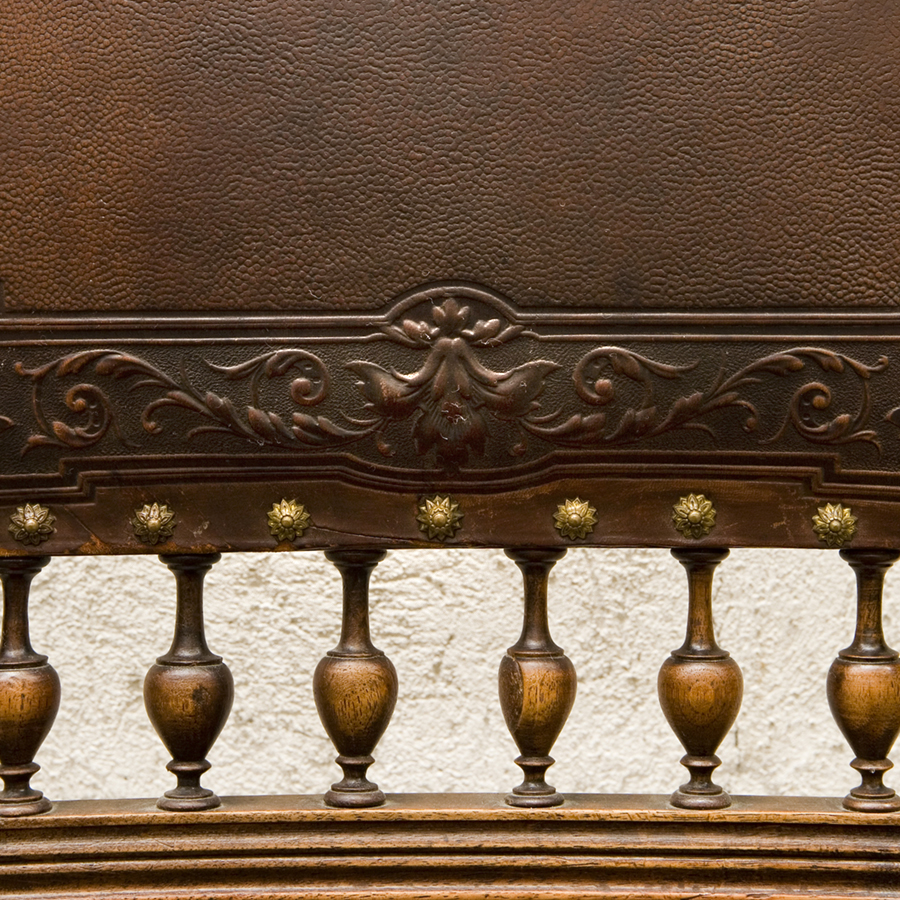 Souvent Ancient leather chairs, Henri II style SOLD | Glossary Depot LA27