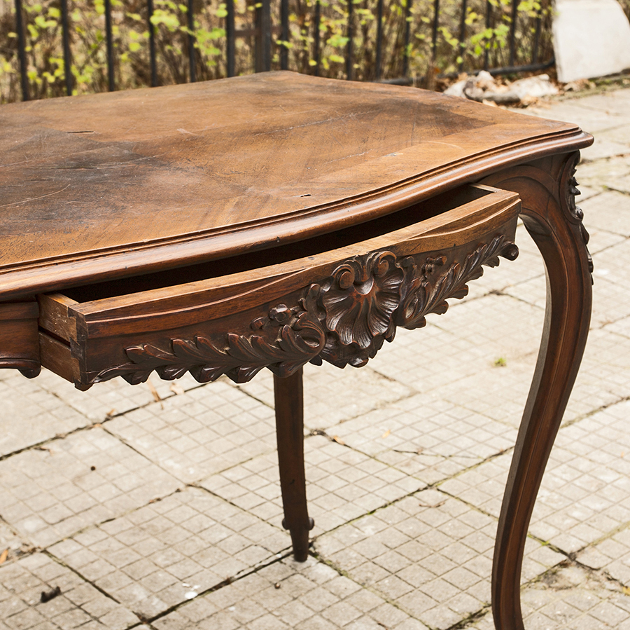 Beautiful and elegant french ancient table Louis XV SOLD | Glossary ...
